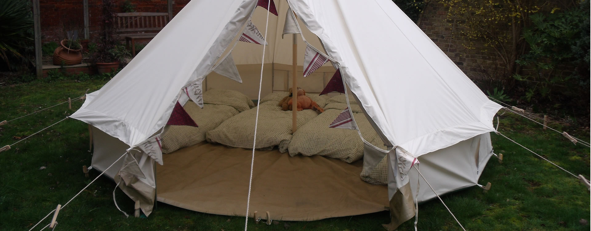 full-width-bell-tent-2 & Luxury Bell Tent Accommodation hire for parties festivals ...